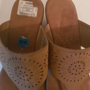 Tan Thong Style Sandals 10W